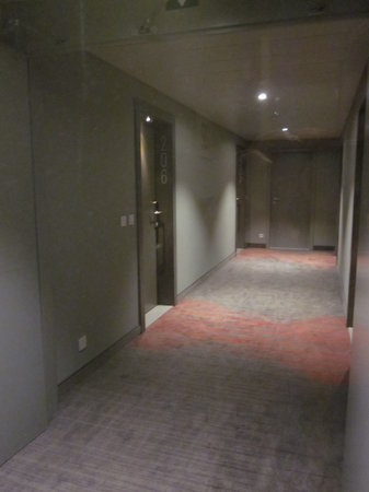 Aparthotel Castelnou: pasillo