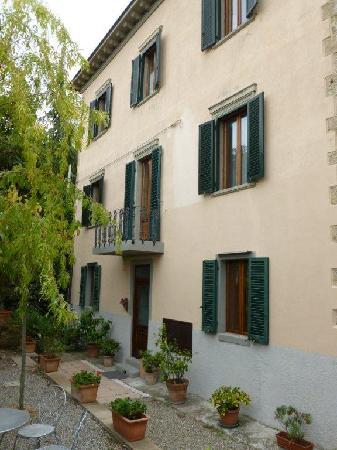 Villa Porta all'Arco: Backside of hotel