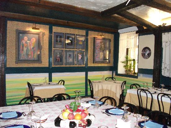 Ristorante L'Armistizio 1848: sala del ristorante