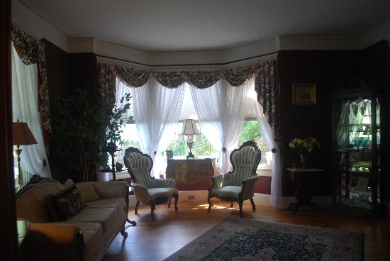 The Lion and The Rose Bed and Breakfast: front parlor