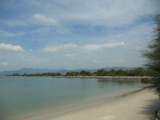 Senari Bay Resort: private beach