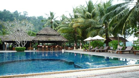 Khaolak Paradise Resort: Pool und Bar