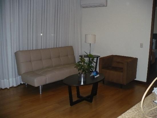 Estelar Apartamentos Medellin: Living room area