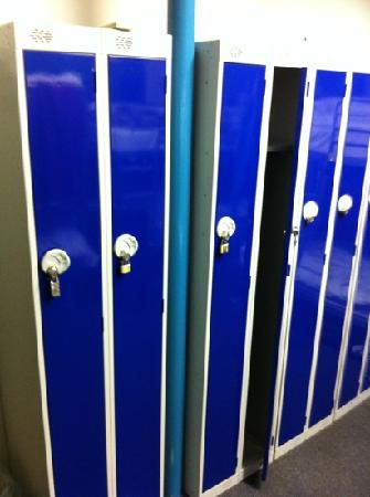 Keystone House: lockers in rooms