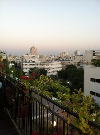 Center Chic Hotel Tel Aviv - an Atlas Boutique Hotel: great view of tel aviv roof deck