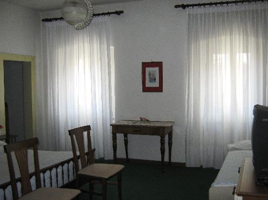 Hotel Trieste: camera matrimoniale