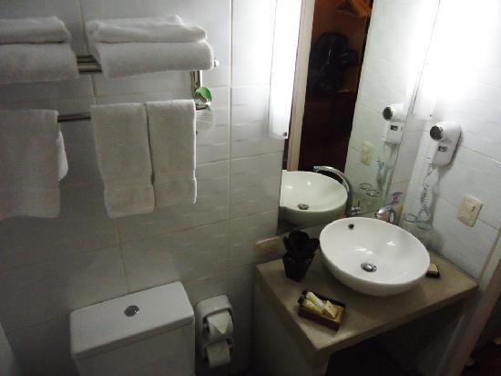 Tierra Viva Cusco Saphi: Part of the bathroom