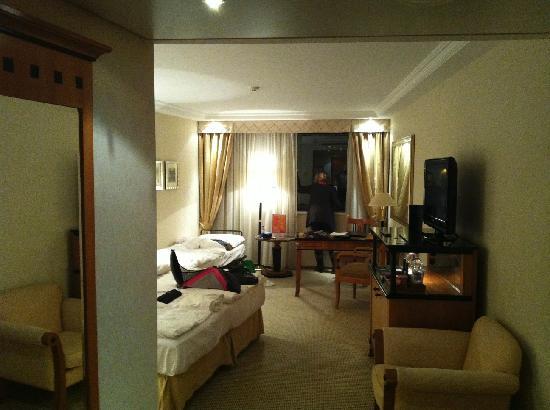 Kempinski Hotel Corvinus Budapest: the room