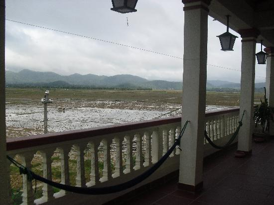Phong Nha Farmstay: Viewfrom outside the upstairs rooms