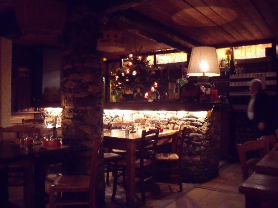 Restaurant L'Arolay : Salle du restaurant