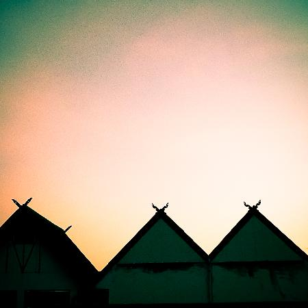 Key Hotel @ Old City Center: The silhouette of Chiang mai's sunset from my room
