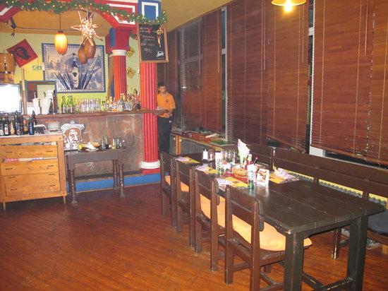 Havana Restaurant : una delle due zone bar