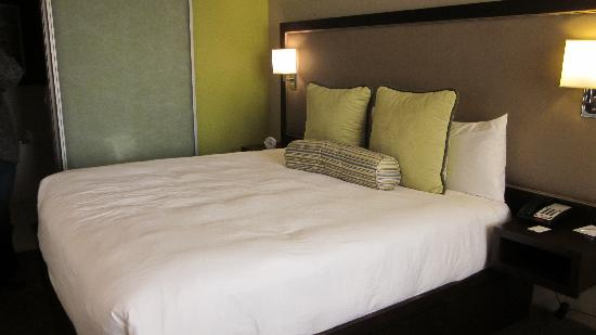 City Loft Hotel: Room 212