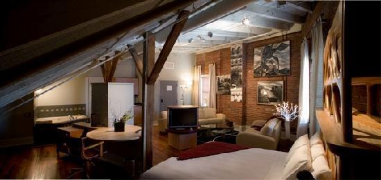 Lancaster Arts Hotel: Loft Suite