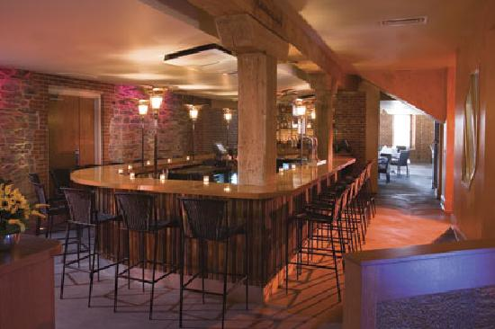 Lancaster Arts Hotel: John J Jeffries Bar and Restaurant