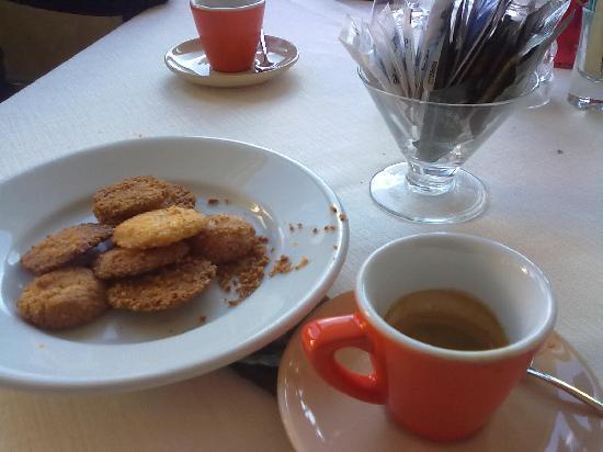 Phoenix : biscottini e caffè