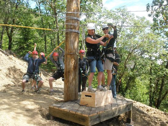 Rogue Valley ZipLine Adventure: Fun at the zip park