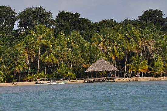 Casa Cayuco: Coming in by boat...