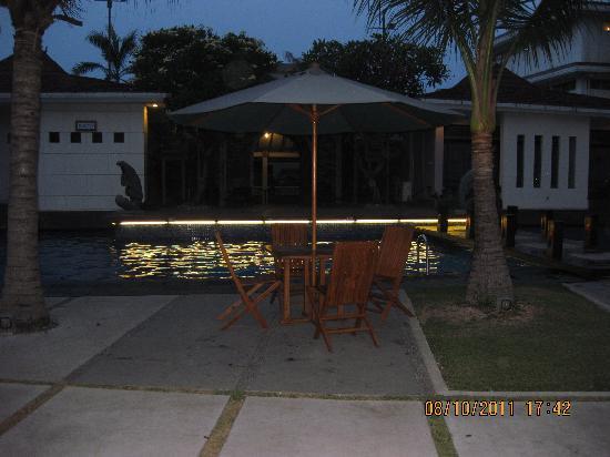 Hotel Prima: Zwembad