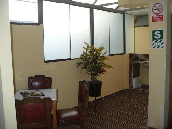 Hostel 4 Trippers: Inside