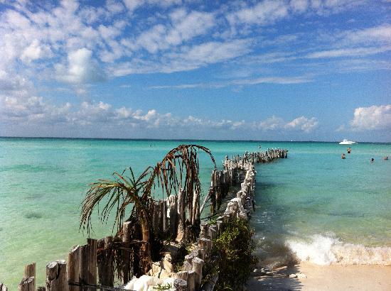 Playa Norte: the pier