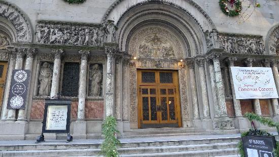 St. Bartholomew's Church : St. Bart's Entrance