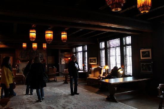 Scarab Club: upstairs