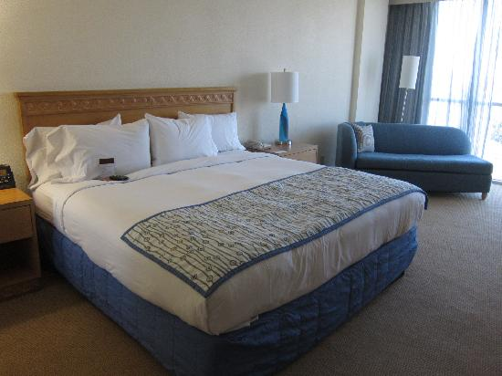 Hotel Quality Pillows Reviews