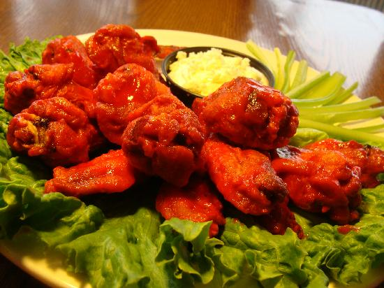 Bay View Lodge: Hot Wings
