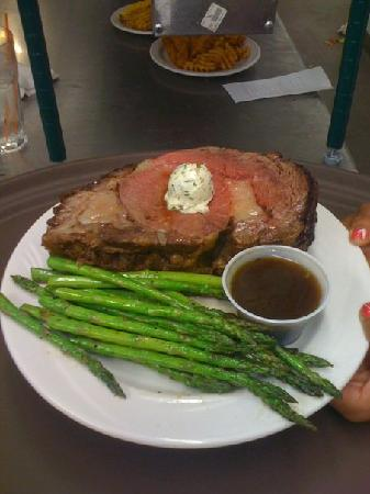 Bay View Lodge: Best Prime Rib Around!!