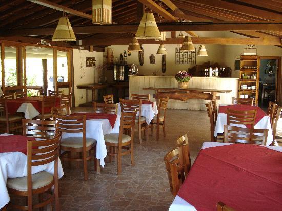 Pousada Cavaleiro dos Pireneus: varanda do restaurante