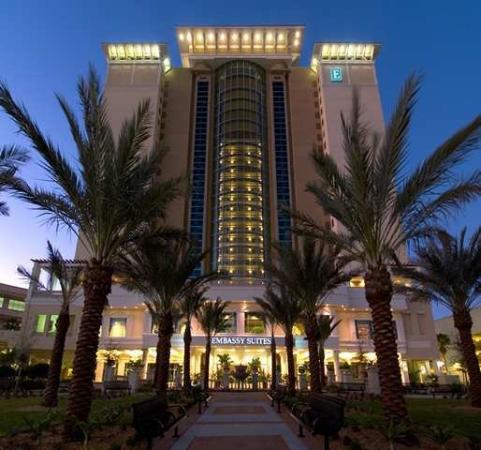 Embassy Suites by Hilton Tampa - Downtown Convention Center: Exterior