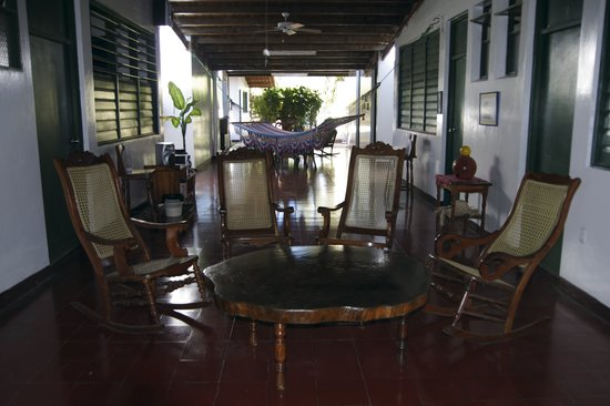 Hostal El Pulpo: Ample Seating Throughout the House