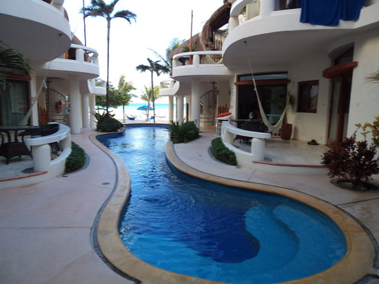 Playa Palms Beach Hotel: Piscina