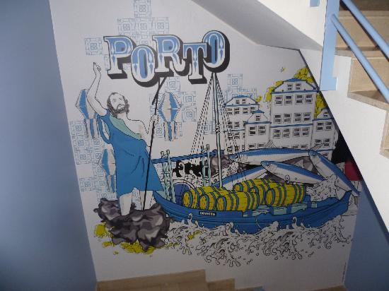 Yes! Hostel Porto: Mural on one of the floors
