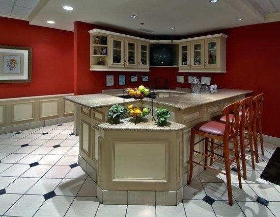Hilton Garden Inn Montgomery East: Full Service Bar