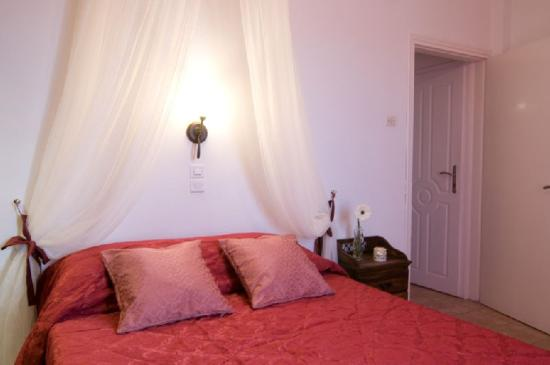 Villa Ilias Caldera Hotel: Exclusive Room-s Interior
