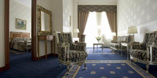 Premier Palace Hotel: Polulux