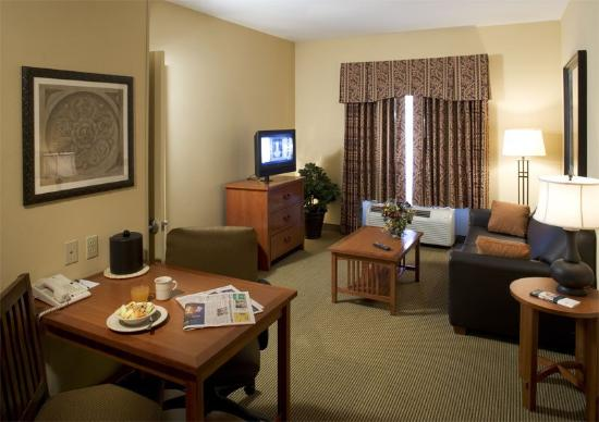 Homewood Suites by Hilton Agoura Hills: Suite Living Room