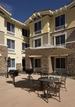 Homewood Suites by Hilton Agoura Hills: Bar-B-Que