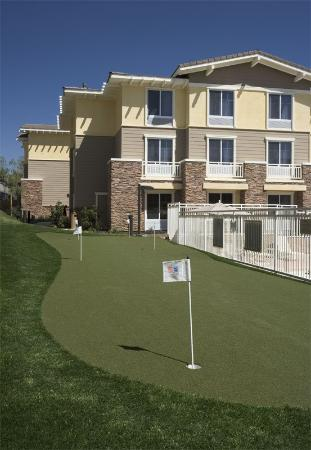 Homewood Suites by Hilton Agoura Hills: Putting Green