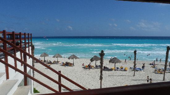 Grand Oasis Cancun - All Inclusive: the beach