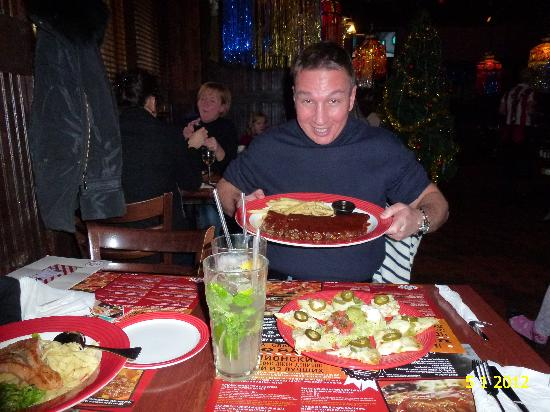 TGI Friday's : VERY GOOD FOOD QUALITY AND ATMOSPHER IN TGI FRIDAYS, EXCEPT WHEN SMOKERS AROUND...