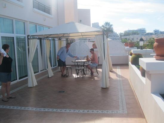 Flamingo Suites: large terrace
