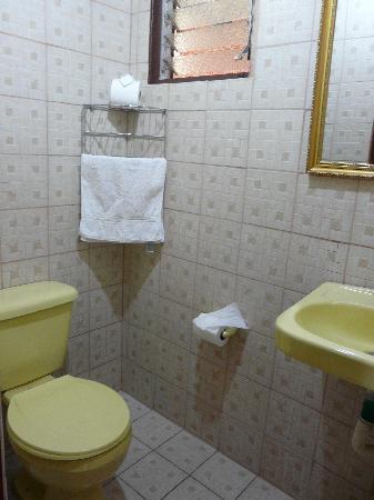 فيلا باكاندي: Baño hotel