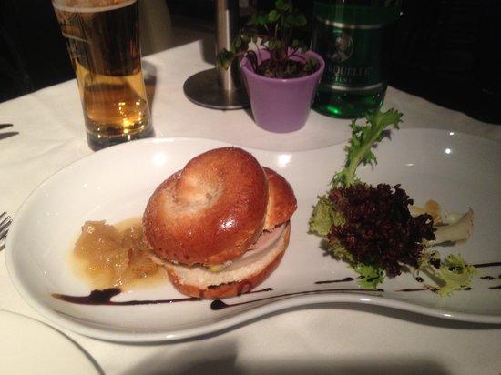 Kheiron Cafe Restaurant: brioche con patè di oca
