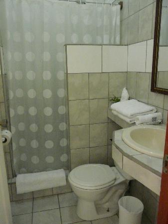 Hotel Casa Tago: Baño