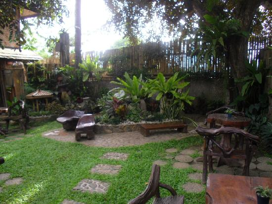 Puerto Pension: The garden