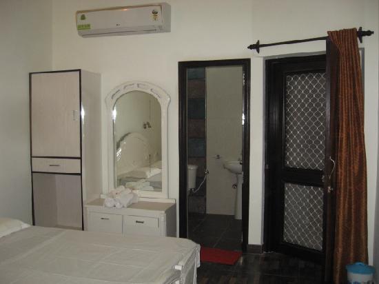 Sai Home Stay: room