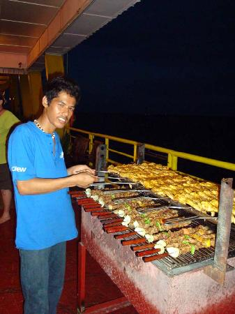 Seaventures Dive Rig: great food!